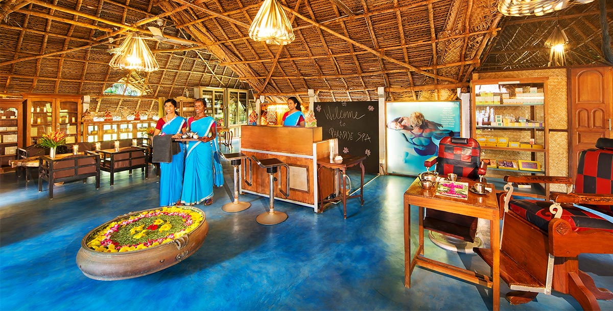Dune healing center staff welcoming guests