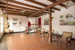 Upper lounge